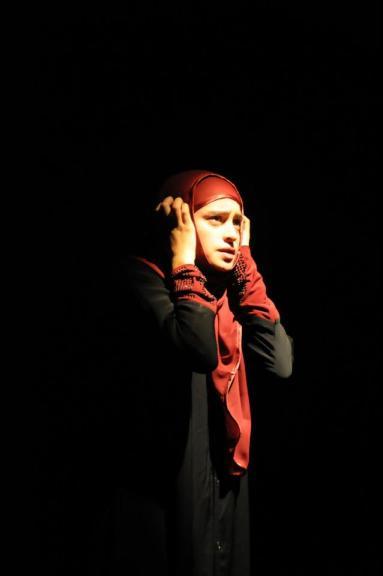 Enfermés - La Troupe en Bois - juin 2012 au Théâtre de la Reine Blanche