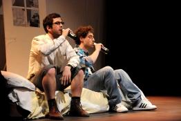 Beirut-Rocks-enfermés-troupe-en-bois-delvienne-01